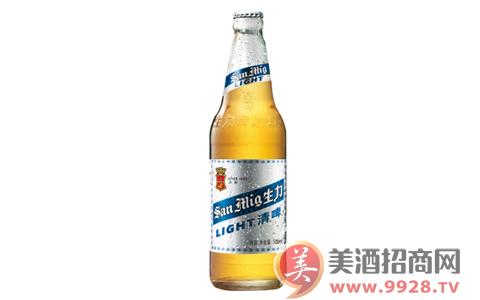 生力啤酒清啤,清爽柔和!