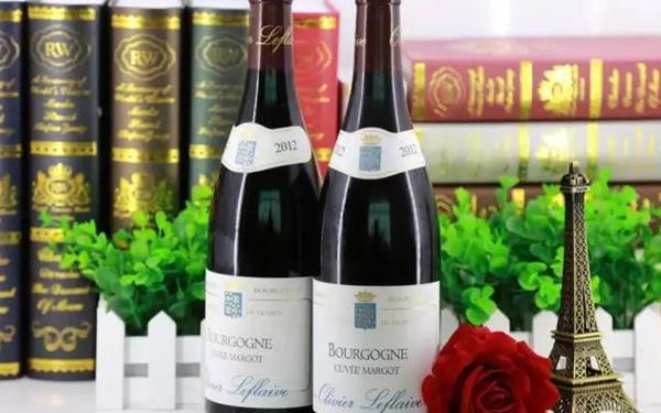 奥利弗拉弗拉维玛戈窖藏干红葡萄酒,口感清新,柔顺