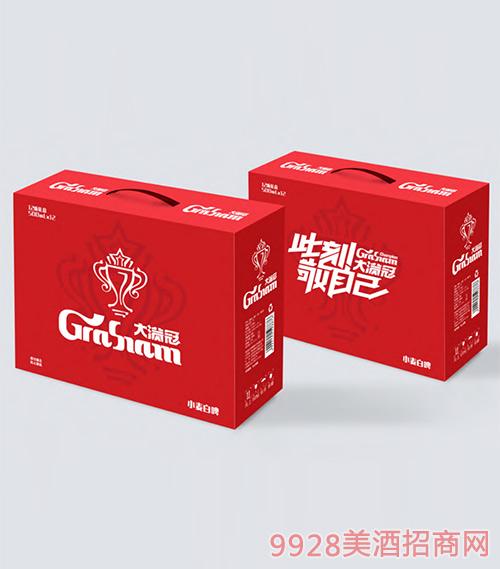大�M冠啤酒物料展示�D