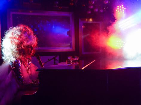 雪树伏特加为Lady Gaga新专辑庆功