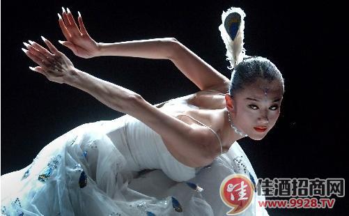 作为中国当代的舞蹈艺术家,杨丽萍是一位热情的葡萄酒爱好者和资深