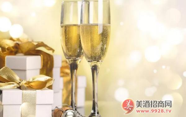 香槟能贮存多久?