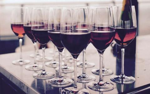 客户进店选购葡萄酒 提高成交率须做对这5件事