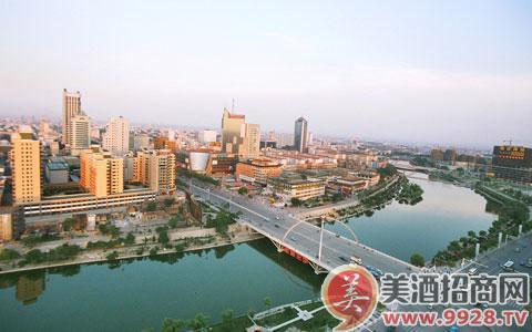 潍坊是山东半岛蓝色经济区,黄河三角洲高效生态经济区,胶东半岛高端