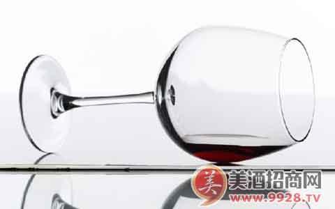 中酒协举行葡萄酒酒庄酒证明商标使用签约仪式