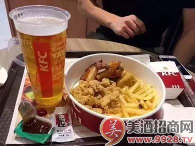 原来肯德基早已经卖起了青岛啤酒!