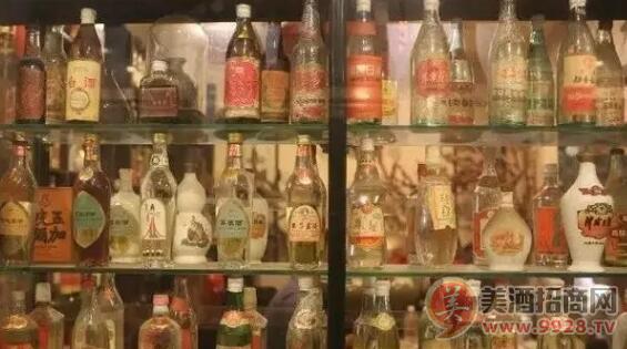 老酒收藏爱好者