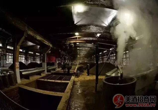 贵州省仁怀市茅台镇酒城酒业酿酒工艺