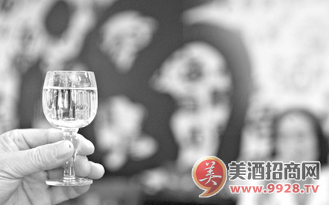 2018白酒业的优与忧