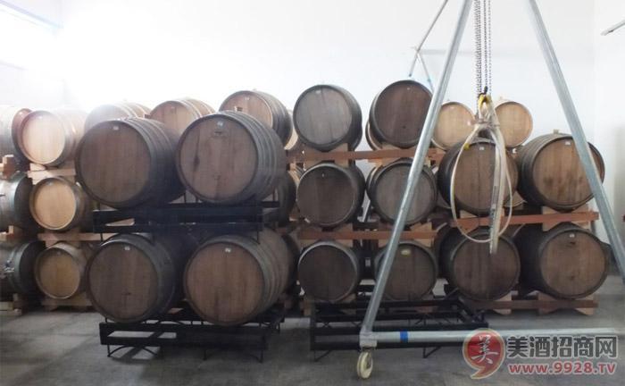 青岛红山林酒业有限公司生产车间