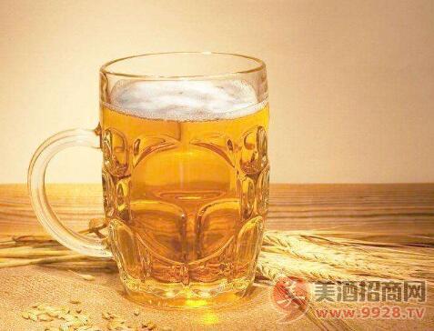 崂山茶精酿啤酒,带您感受浓烈与清雅