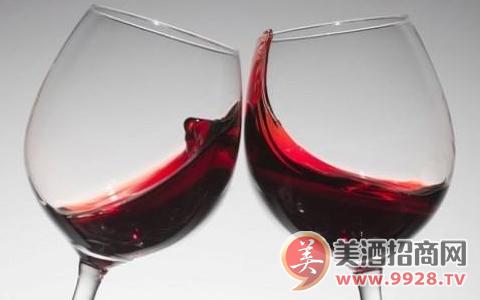 4月2日,美国葡萄酒被中国正式额外加征15%关税