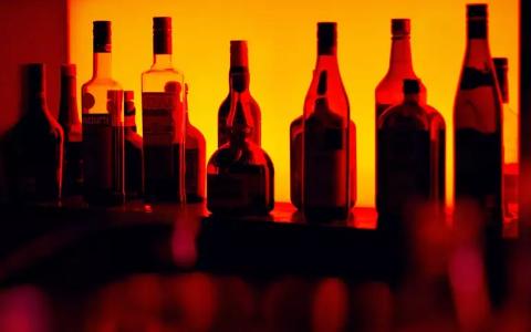 参加酒局Party如何优雅的喝酒