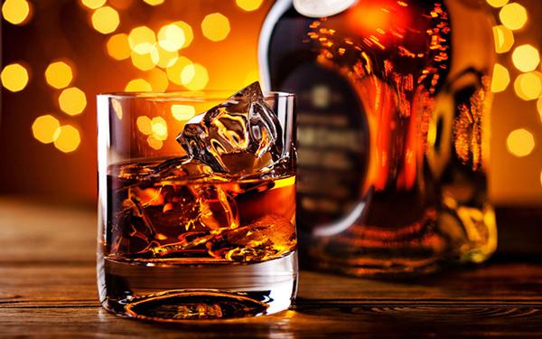 麦卡伦再度刷新威士忌拍卖价格纪录