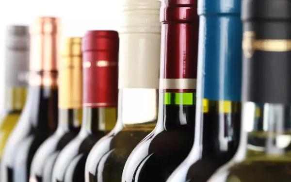 为什么葡萄酒包装大都用玻璃瓶?