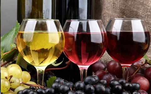葡萄酒酿造过程中要避氧?