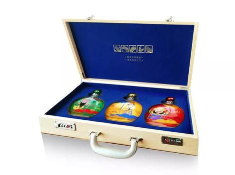 """干一杯酒业""""刘关张""""酒盛装亮相,重磅新品定义纪念酒标准"""