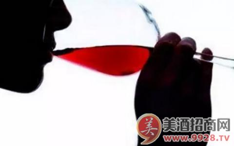葡萄酒里的各种味道,我们是怎么尝出来的?
