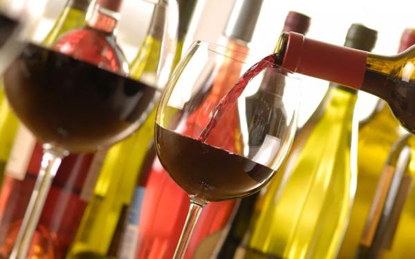如何为你的佳肴搭配合适的葡萄酒?