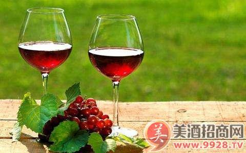 葡萄酒为什么要陈年?