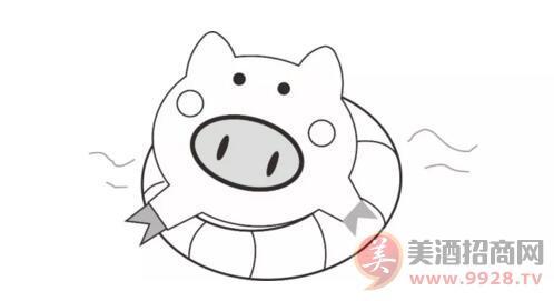 游泳的猪图片