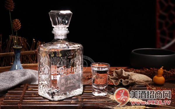 北京二锅头1163:平凡的白酒,不凡的品质!