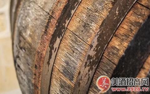 酿酒过程中的酵母菌来自哪里?