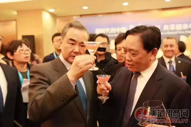 白玉&玫瑰汾酒