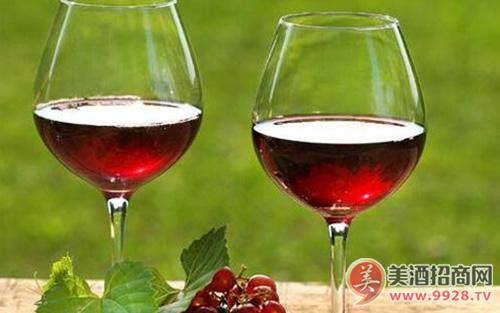 如何描述葡萄酒的酒体