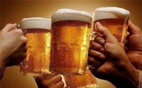 艾��啤酒的�造流