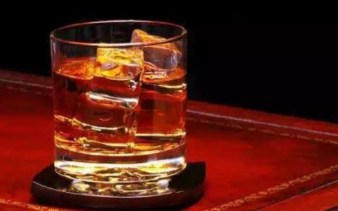 威士忌中的沉淀物是什么?