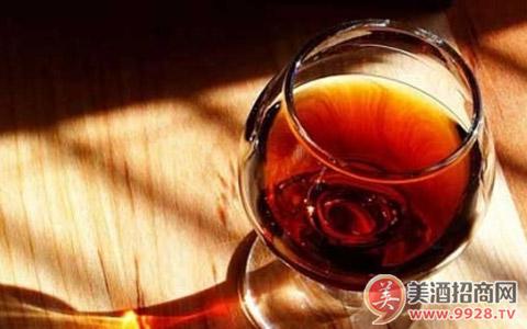 那些拍卖高价的葡萄酒都有哪些特性?