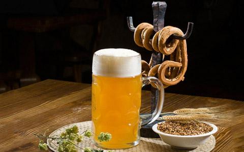 珠江啤酒�l布2019年上半年��螅�I收21.09�| 同比增�L5.49%