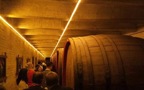美国葡萄酒关税将再次上调 综合税率高达118.46%