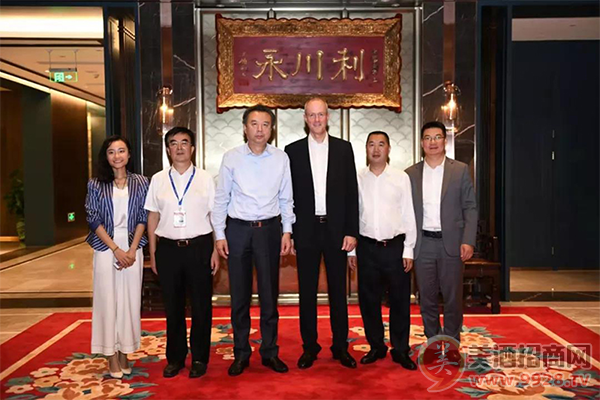 SAP大中华区总裁纪秉盟一行到访五粮液集团