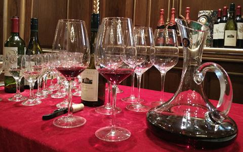 为什么秋天要多喝点葡萄酒?