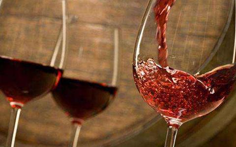 【美食�c酒】赤霞珠葡萄酒如何配餐?