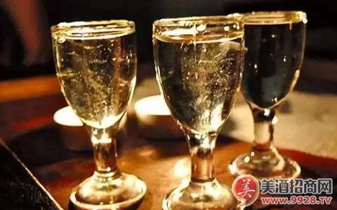 �酒:��南白酒市�龌�本特征