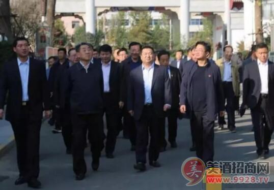 刘满仓一行深入贾湖平安彩票权威平台调研