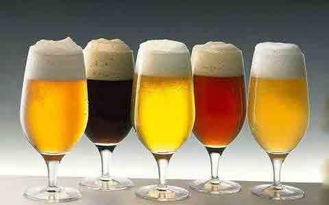 啤酒板块获资金热捧再度走强,行业景气度回升