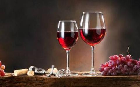 关于葡萄酒瓶凹槽的美学价值你知道吗?