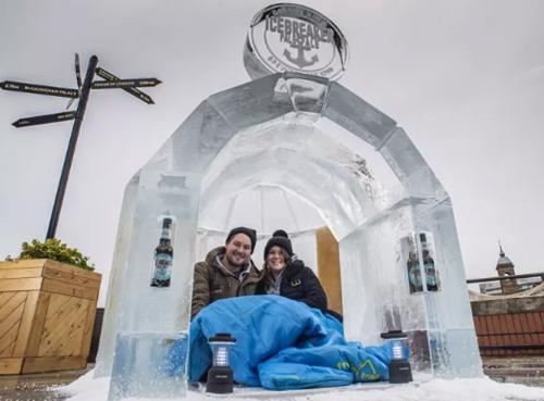英���酒商GREENE KING推出啤酒做的冰屋