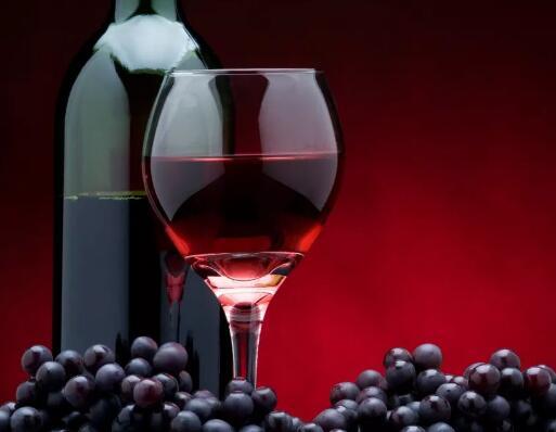 客户进店选购葡萄酒 做对这5件事提高成交率