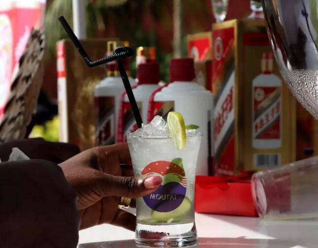 """美酒飘香非洲西海岸,茅台与多哥民众共度""""白色星期天"""""""