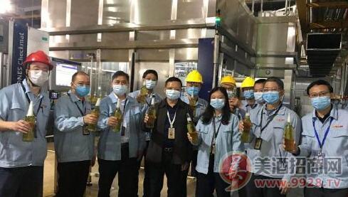 珠江啤酒南沙公司新KRONES灌装机顺利灌装出酒