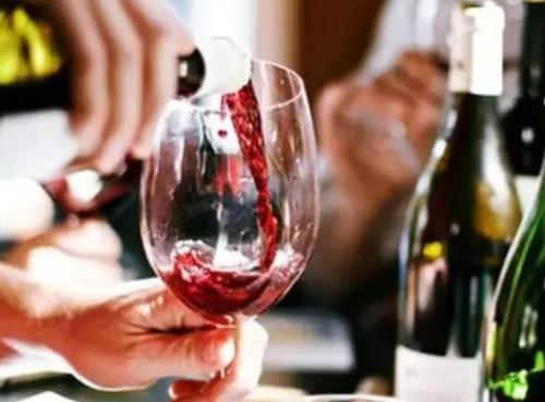 法��勃艮第葡萄酒商�Q酒展改期到2021年�e�k