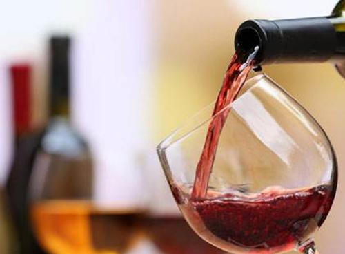 """南非葡萄酒业吁政 府取消""""禁酒令"""""""