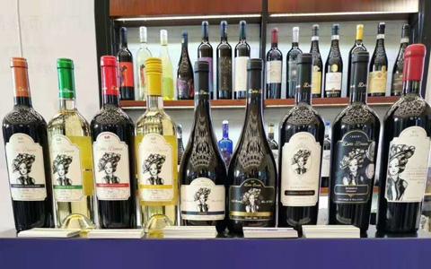 多款�M口�t酒�⒄�2020��南秋季糖酒��,吸引多方代理商咨�