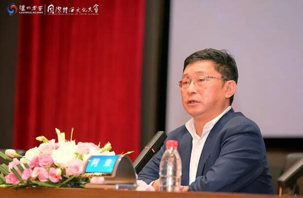 著名作家、四川省作家协会主 席阿来作主题演讲