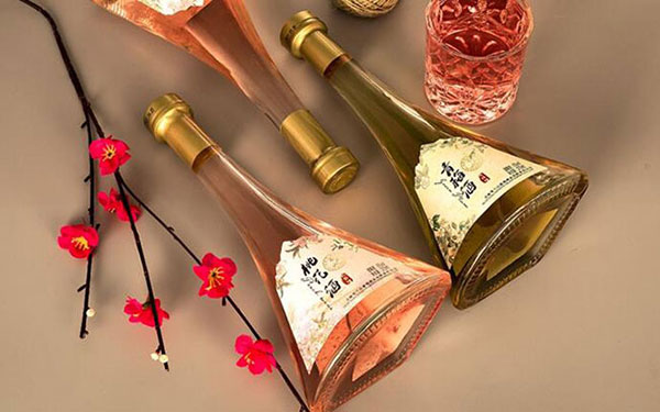 【发现美酒】雪兰山青梅桃花酒,酸甜交织,果香浓郁
